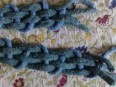 Domestic Miss : A Sweet and Sour Slice of Life: I-Cords Really Are For Idiots - Woven Icord Scarf