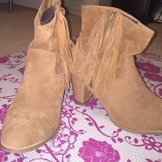 """Fringe ankle booties Come and get these stylish suede ankle booties with fringe! Perfect for this season! Heel is about 2"""". Never worn & excellent condition! Rampage Shoes Ankle Boots & Booties"""