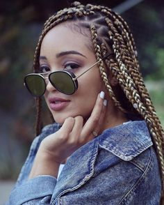 Box braids with triangular parts have become just as popular as traditional box braids. Here are 35 triangle box braids styles to inspire your next style. Blonde Afro, Blonde Box Braids, Black Girl Braids, Girls Braids, Box Braids Hairstyles, 50s Hairstyles, Individual Braids Hairstyles, Teenage Hairstyles, Triangle Box Braids