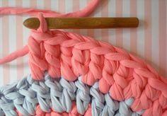 Un tapis au crochet DIY