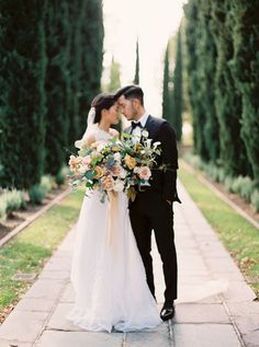 Photography: Sally Pinera - sallypinera.com   Read More on SMP: http://www.stylemepretty.com/2016/04/06/spring-garden-wedding-with-a-fashion-forward-twist/