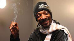 http://www.lamula.fr/snoop-dogg-et-la-weed-une-histoire-sans-fin/  Snoop Dogg et la weed, une histoire sans fin?