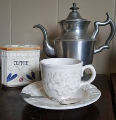 Work a little vintage into your morning routine. #coffeetime #vintageebay #vintagehome #vintagekitchen #metlox #canisters #pewter