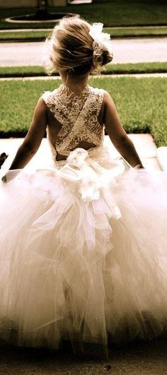Flower girl dresses / white gown / white flowers #wedding #white #whitedress www.mayadigitalservices.com