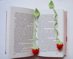 Crochet strawberry bookmark...FREE PATTERN!!