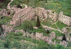 Restos de arquitectura civil de época de los Paleólogos. Ruínas del Palacio de los Déspotas en Mistra (Grecia).