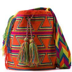 comprar bolso wayuu en madrid, wayuu, croche, bolsos hecho a mano, producto artesanal, bolsos tribales, tribalchic, tribal, bolso artesanal, bolso wayuu, bolsos wayuu, algodon, colombia, bolsos, hecho a mano Tapestry Crochet Patterns, Crochet Motif, Knit Crochet, Trendy Accessories, Crochet Accessories, Boho Bags, Bohemian Bag, Mochila Crochet, Crochet Purses