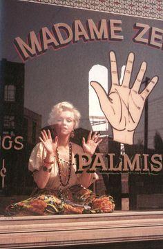Hands up! #marilynmonroe #inspiration #vintage