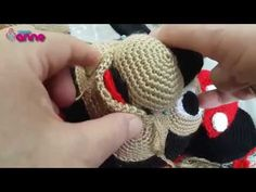 Amigurumi Mickey Mouse (Miki Mause) Yapılışı - Canım Anne Amigurumi Tutorial, Crochet Amigurumi, Amigurumi Toys, Crochet Dolls, Crochet Disney, Crochet Toys Patterns, Stuffed Toys Patterns, Miki Mouse, Hand Embroidery Designs