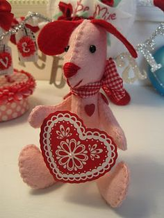 Instructions for this felt Valentine dog