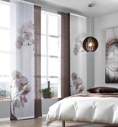Hübsche Fensterdekoration: Flächenvorhang mit floralem Motiv