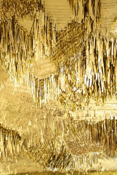 Gold wall; superfacente.tumblr.com ✖️More Pins Like This One At FOSTERGINGER @ Pinterest ✖️Fosterginger.Pinterest.Com.✖️No Pin Limits✖️