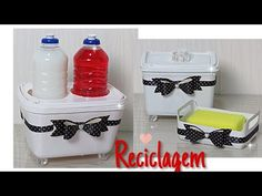ORGANIZADOR DE PIA II - FAÇA VC MESMO DO LIXO AO LUXO - YouTube Plastic Bottle Crafts, Plastic Bottles, Recycled Crafts, Diy Crafts, Funny Crush Memes, Diy Toilet Paper Holder, Personal Organizer, Recycled Bottles, Reuse Recycle