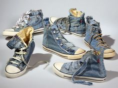 These unique sneakers are produced with pre-loved authentic LEVI'S jeans. Each pair of shoes requires two pairs of jeans and uses everything from the stitiching to buttons, zippers and loops. Denim Sneakers, Denim Converse, Denim Shoes, Shoes With Jeans, High Top Sneakers, Recycled Shoes, Recycled Denim, Recycled Clothing, Vintage Clothing