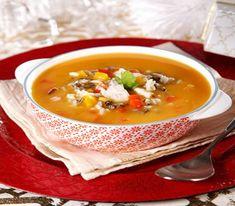Canja de Peixe com Legumes Soup Recipes, Dessert Recipes, Cooking Recipes, Desserts, Portuguese Recipes, Portuguese Food, Food Goals, Thai Red Curry, Eat