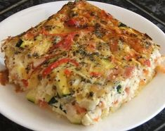 Impossible Savoury Slice Lower fat version of an oldie, but a goodie. Quiche Recipes, Bacon Recipes, Egg Recipes, Vegetarian Recipes, Cooking Recipes, Healthy Recipes, Recipies, Vegetarian Bacon, Savoury Recipes