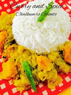 CURRY AND SPICE: CHALKUMRO GHONTO / ASH GOURD WITH LENTIL FRITTERS
