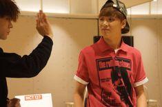 [Vyrl] NCT : Welcome to the world, NCT 127의 새로운 멤버들을 소개합니다! To the world! 여기는 NCT 👇