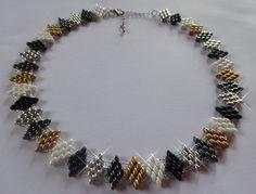Halskette 'Rauten' aus SuperDuos, gold,silber,schwarz,weiß von SanDesign4u auf Etsy