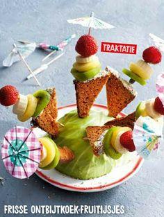 Traktatie   Jumbo   ontbijtkoek, discodip, kiwi, aardbei Food Map, Bday Girl, Creative Kids, Food Styling, Diy For Kids, Kids Meals, Party Time, Kiwi, Goodies