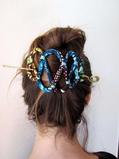 fabric Hair Barrette – African Hair fork Pin – Hair Accessories by Flower Girl Hairstyles, African Hairstyles, Braided Hairstyles, Cool Hairstyles, Hairstyles Videos, African Accessories, African Jewelry, Fabric Jewelry, Hair Jewelry
