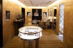 Louis Vuitton opens fine jewelry store at Place Vendôme by Maison Chaplin, via Flickr