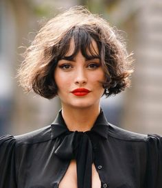 The 17 Hairstyles You'll See Everywhere In Summer 2020 - Hair Cut & Style Trends Spring Summer Hairstyles You'll See Everywhere Short Hairstyles For Thick Hair, Short Curly Hair, Summer Hairstyles, Curly Hair Styles, French Hairstyles, Short Haircuts, Curly Bob With Fringe, French Haircut, Medium Hairstyles