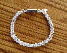 Infinity enlace Maille de cota de malla pulsera de plata