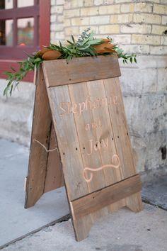 Photography: Heather Cook Elliott Photography - www.HeatherCookElliott.com  Read More: http://www.stylemepretty.com/2015/04/14/glamorous-beer-garden-inspired-wedding/