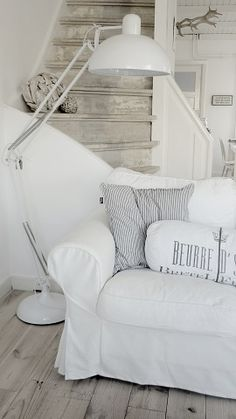 White living room ♥the stairs Decor, House Styles, White Cottage, White Decor, House Interior, Home Deco, White Rooms, White Interior, Coastal Living Rooms