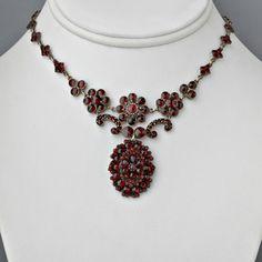 Antique Victorian Necklace Rose-cut Garnets Czechoslovakia