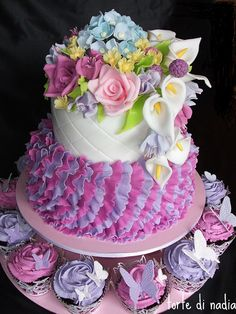 gorgeous flower and ruffle cake