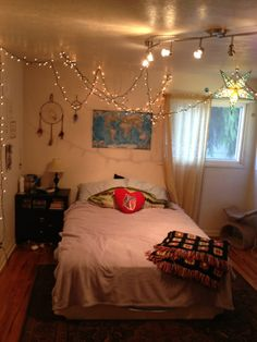 Teen Bedroom, Room, Black And White, Tumblr, Fairy Lights | Bedroom Ideas!  | Pinterest | Bedrooms, Room And Lights