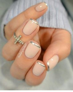 nice Silver tip nails idea for natural nails. French Tip Nail Designs, French Tip Nails, Silver Tip Nails, Silver French Manicure, Silver Glitter, Bad Nails, Nailed It, Manicure E Pedicure, Pedicures