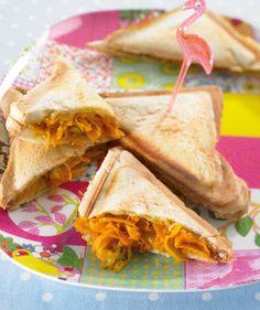 Rezept für Käse-Möhren-Sandwich bei Essen und Trinken. Ein Rezept für 2 Personen. Und weitere Rezepte in den Kategorien Brot / Brötchen / Toast, Gemüse, Gewürze, Milch + Milchprodukte, Nüsse, Hauptspeise, Party, Kinderrezepte, Fingerfood / Snack, Sandwiches/Brote, Backen, Asiatisch, Einfach, Schnell, Vegetarisch.
