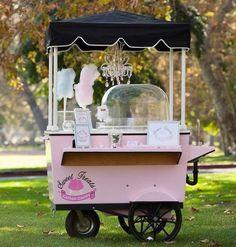 carrinho de algodão doce em casamento
