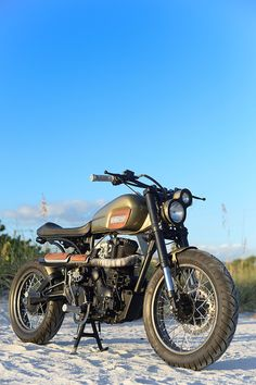 "La ""Royal Enfield AVL 350"" de Bull City Customs est un petit bijou"