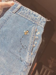 Terrific Free of Charge bumblebee embroidered jean shorts 🐝 Popular I real. - Terrific Free of Charge bumblebee embroidered jean shorts 🐝 Popular I really like Jeans ! And a lot more I love to sew my very own Jeans. Next Jeans Sew Along I am go Embroidery On Clothes, Cute Embroidery, Embroidered Clothes, Diy Embroidered Jeans, Jeans With Embroidery, Diy Fashion Embroidery, Embroidered Gifts, Embroidery Ideas, Machine Embroidery