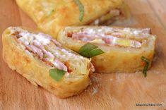 felii de rulada din cartofi cu sunca si cascaval Feta, Spanakopita, Fresh Rolls, Baked Potato, Potatoes, Treats, Cheese, Baking, Ethnic Recipes