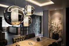 Moderne hanglampen gecombineerd met meubels in landelijke stijl | Creative Minds International