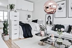 Elegant Scandinavian interior design ideas for small spaces . Elegant Scandinavian interior design ideas for small spaces , Elegant Scandinavian Interior Design Decor Ideas For Smal. Small Space Interior Design, Scandinavian Interior Design, Decor For Small Spaces, Design Interior, Interior Ideas, Small Apartment Bedrooms, One Room Apartment, Deco Studio, Bedroom Decor