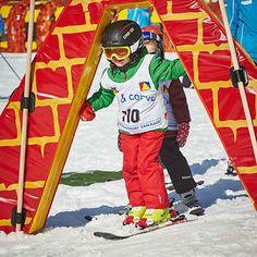 Unsere Weisheit: Ihre Kleinsten sind die Größten – vor allem beim #Skifahren! Denn im #Skikurs für Kids wird Skifahren spielerisch im Nu gelernt! Motorcycle Jacket, Skiing, Carving, Jackets, Fashion, Ski, Wisdom, Studying, Down Jackets