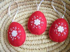 Húsvéti hímzett piros tojás, Dekoráció, Otthon, lakberendezés, Húsvéti apróságok, Lakástextil, Meska