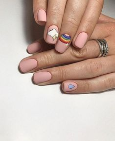Semi-permanent varnish, false nails, patches: which manicure to choose? - My Nails Stylish Nails, Trendy Nails, Fire Nails, Minimalist Nails, Short Nail Designs, Dream Nails, Nagel Gel, Gel Manicure, Cute Shellac Nails