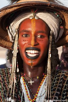 Africa | Wodaabe man participating in the Yaake dance during the Gerewol festival. Ingal, Agadez, Niger | © Marta Cometti