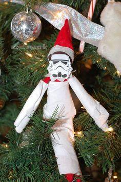 Are you looking for Elf on the Shelf Ideas? Elf on the Shelf Star Wars Edition with FREE Printable Series can be found here. So can superhero series! Funny Christmas Tree, Christmas Tree Themes, Christmas Humor, Christmas Traditions, Christmas Holidays, Christmas Crafts, Christmas Ideas, Star Wars Christmas Tree, Xmas Elf
