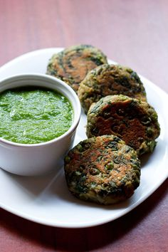 hara bhara kabab - spinach, peas and potato patties. gluten free & vegan recipe. excellent starter snack.