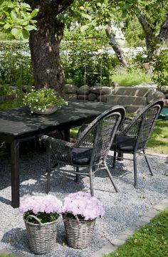 Outdoor Seating Areas, Garden Seating, Outdoor Rooms, Outdoor Dining, Outdoor Gardens, Outdoor Decor, Dining Area, Table Seating, Indoor Outdoor