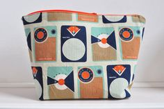 Oon: How do you make yourself a toiletry bag?
