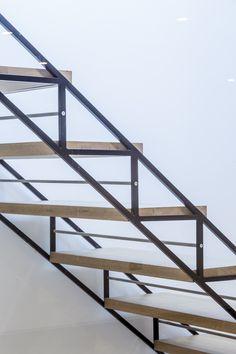 MTA Architecture and Design - The Crown - 56 Brandon Street, London Modern Wood Furniture, Diy Furniture, Stair Railing Design, Railings, Staircase Outdoor, Steel Stairs, Stairs Architecture, London, Staircases